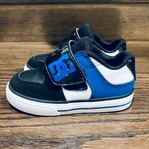 DC Toddler Shoes Boys size 5